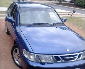 Image of blue Saab vehicle which was involved in a shooting